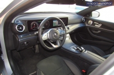 3-02-interior-mercedes-benz-E-300-de-prueba-2020
