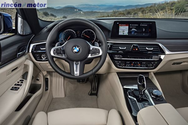 bmw-serie-5-touring-2017-15