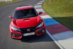 Honda_Civic_Type_R_2017_set-0207-23