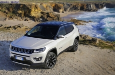 Jeep_Compass_2017-set-2806-14