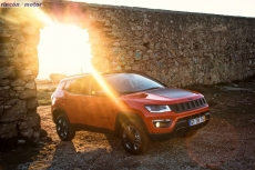 Jeep_Compass_2017-set-2806-15