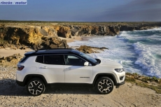 Jeep_Compass_2017-set-2806-16