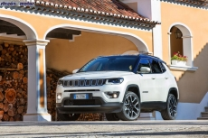 Jeep_Compass_2017-set-2806-18