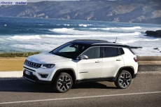 Jeep_Compass_2017-set-2806-19