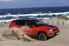 Jeep_Compass_2017-set-2806-20