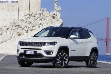 Jeep_Compass_2017-set-2806-22