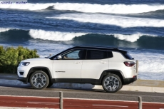 Jeep_Compass_2017-set-2806-25