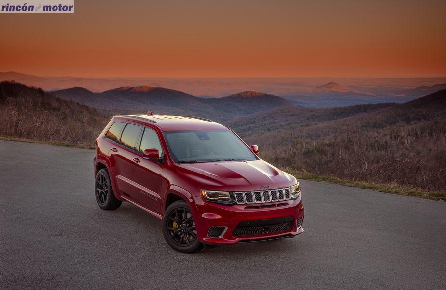 Jeep_Grand_Cherokee_Trackhawk_707cv_2017-03
