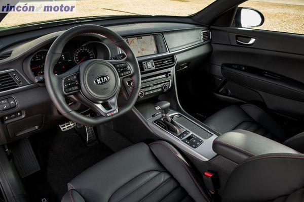 Interior Kia Óptima GT