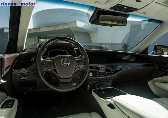 Lexus_LS-550h-05