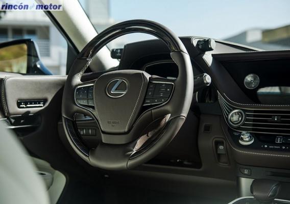 Lexus_LS-550h-06