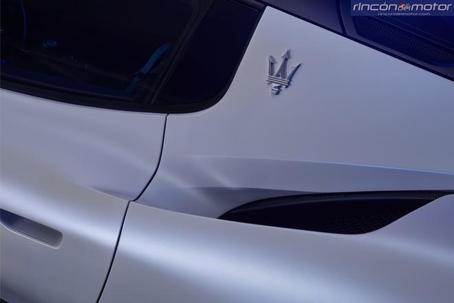 Maserati-MC20-2020-13