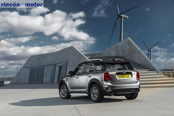 mini-countryman-2017-38