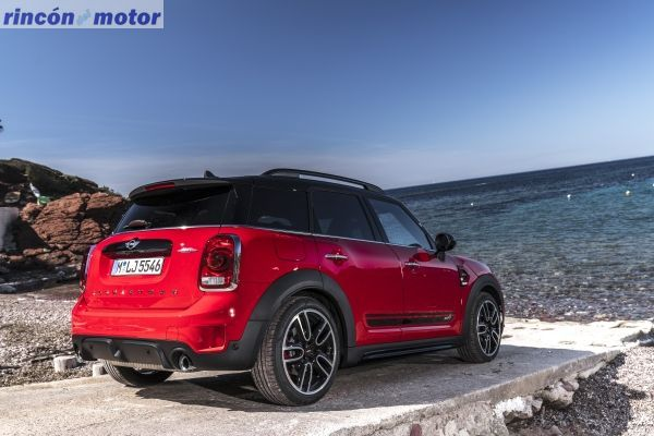 mini_countryman_jcw_2017-01