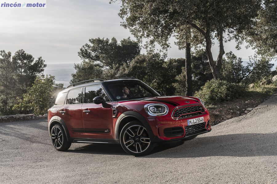 mini_countryman_jcw_2017-05