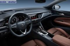 Opel-Insignia-Sport-Tourer-2017-10
