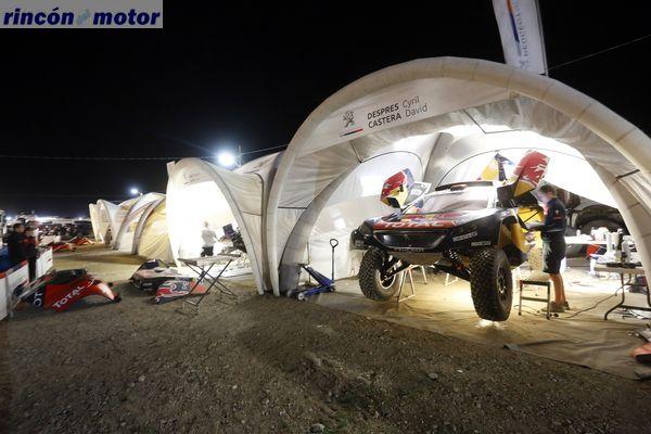 Ambiance bivouac nuit during the Dakar 2016 Argentina, Bolivia, Etape 6 - Stage 6, Uyuni - Uyuni, from January 8, 2016 - Photo Gregory Lenormand / DPPI