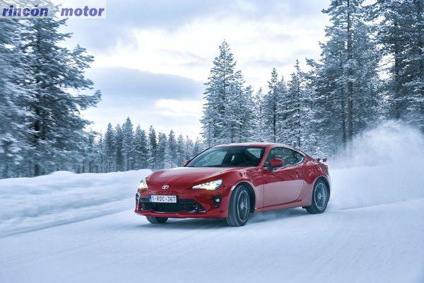 Toyota_GT86-2017-set-2701-03