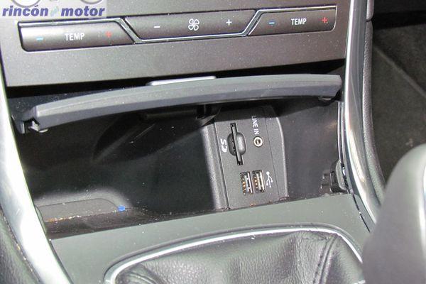 4-03-interior-detalle-ford_edge_20-tdci-180_4x4_prueba-2017