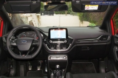 3-05-interior-ford-fiesta-st-2019-prueba