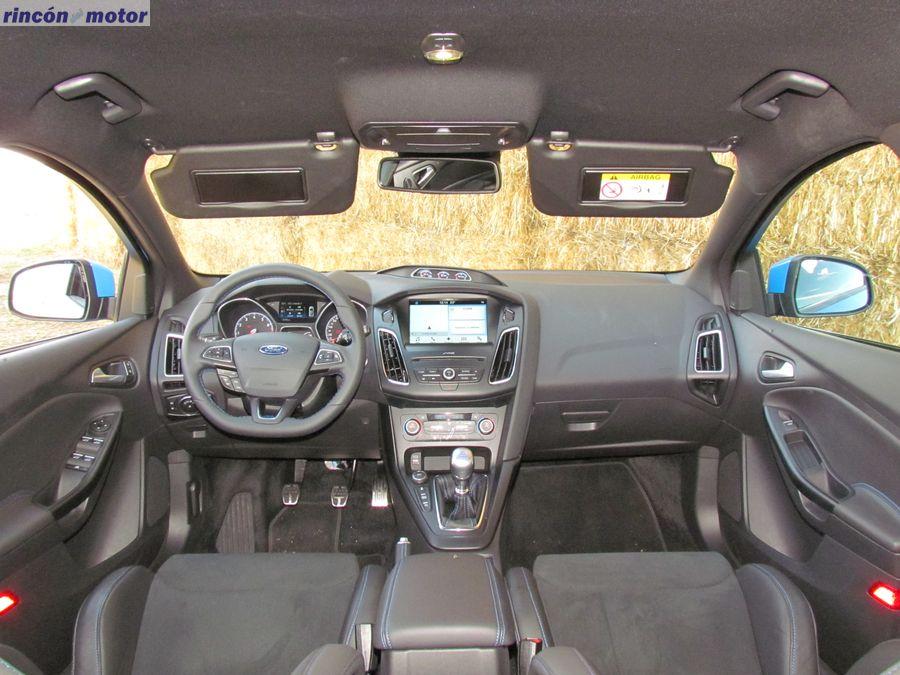 3-05-interior-ford-focus-rs-prueba-2017