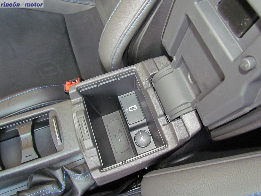4-01-interior-detalle-ford-focus-rs-prueba-2017