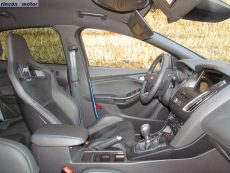 3-07-interior-ford-focus-rs-prueba-2017