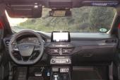 3-interior-Focus_SW_Ecoboost_182AT-2020-01