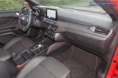 3-interior-Focus_SW_Ecoboost_182AT-2020-04