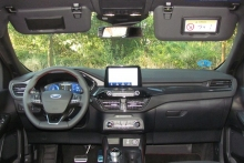 3-01-interior-ford-kuga-phev-2020
