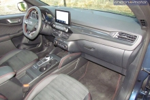 3-04-interior-ford-kuga-phev-2020