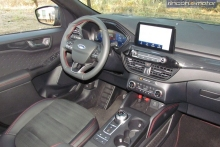 3-05-interior-ford-kuga-phev-2020