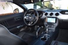 3-interior-ford-mustang-50v8-2018-05