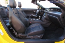 3-05-interior-Ford_Mustang_Convertible_50V8_2019-prueba