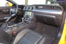 3-06-interior-Ford_Mustang_Convertible_50V8_2019-prueba