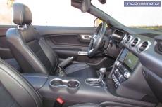 3-07-interior-Ford_Mustang_Convertible_50V8_2019-prueba
