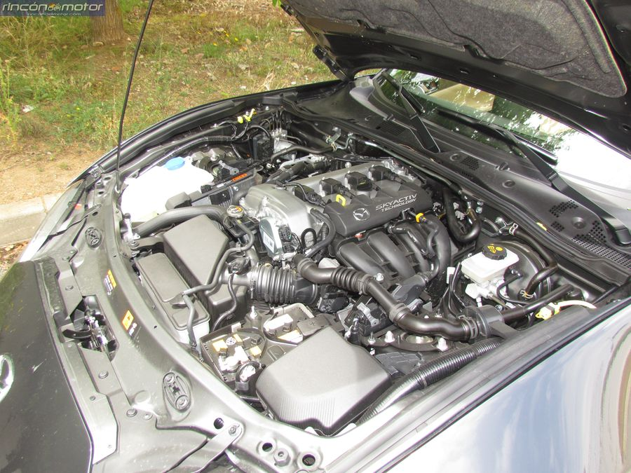 2-03-exterior-detalle-Mazda-mx5-20-160-2018-prueba