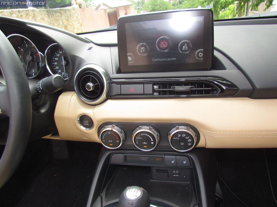 4-03-interior-detalle-Mazda-mx5-20-160-2018-prueba