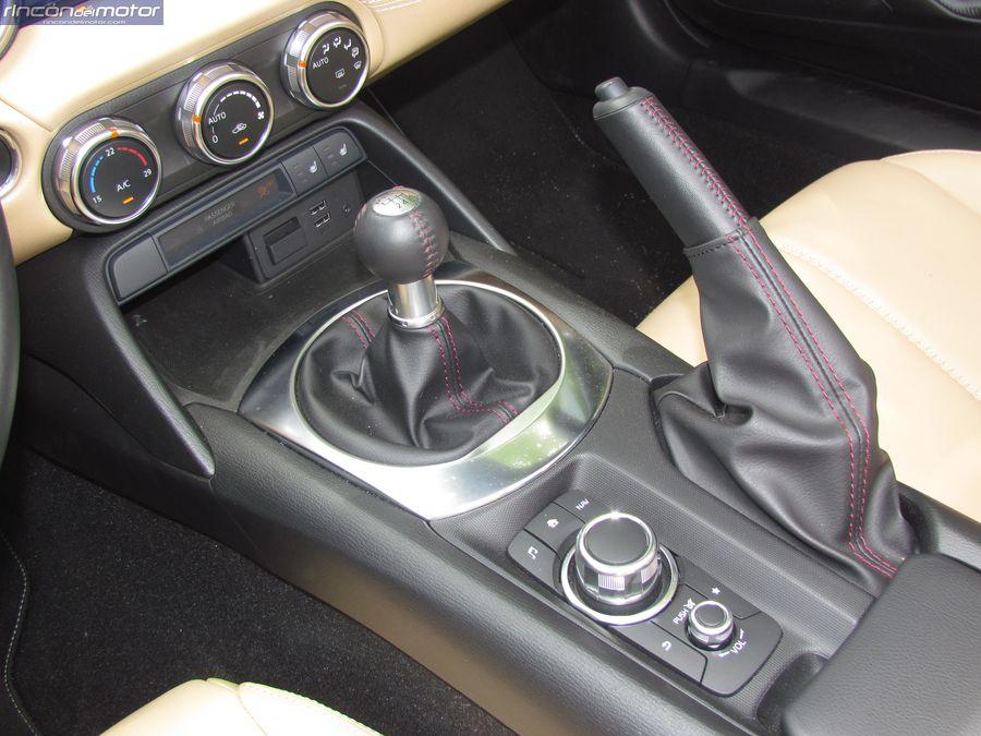 6-05-puesto-Mazda-mx5-20-160-2018-prueba