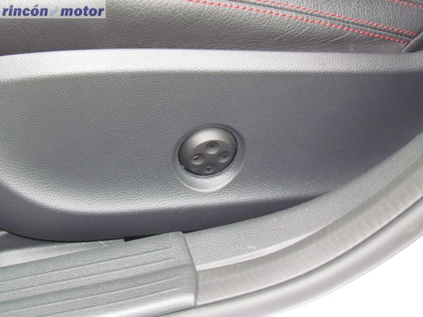 4-05-interior-detalle-mercedes-Clase_A-45-AMG-prueba-2017