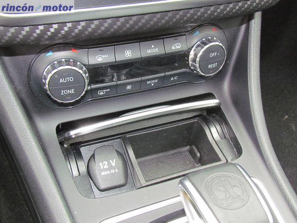 4-07-interior-detalle-mercedes-Clase_A-45-AMG-prueba-2017