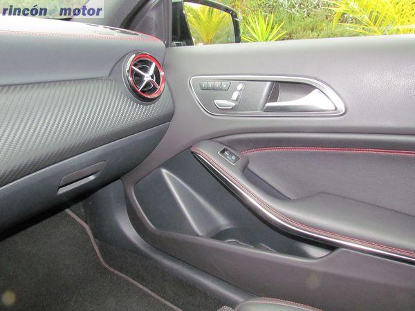 4-12-interior-detalle-mercedes-Clase_A-45-AMG-prueba-2017