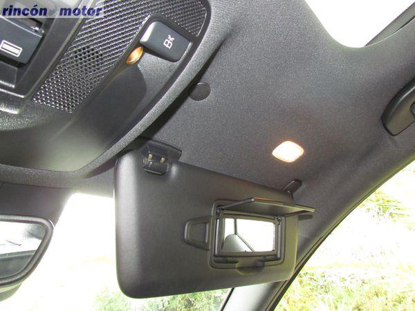 4-13-interior-detalle-mercedes-Clase_A-45-AMG-prueba-2017