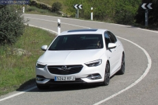 1-01-exterior-opel_insignia_20nft-turbo_260-at_4x4_2018