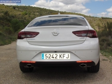 1-05-exterior-opel_insignia_20nft-turbo_260-at_4x4_2018