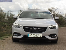 1-08-exterior-opel_insignia_20nft-turbo_260-at_4x4_2018