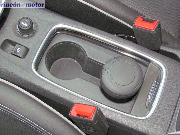 4-10-interior-detalle-opel-astra-sports-tourer-16-turbo-200-excellence-prueba-2017