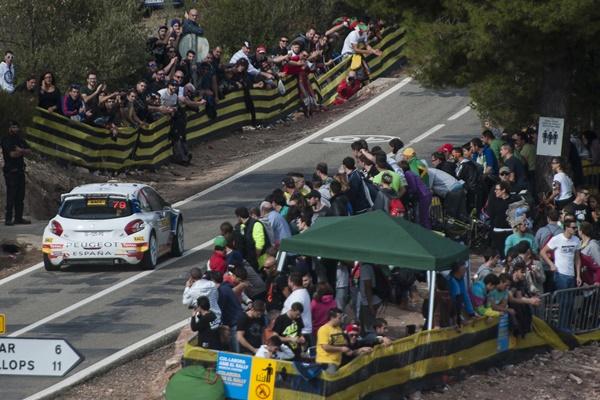 José Alonso con Peugeot 208 VTi en el Rallye de Cataluña 2015