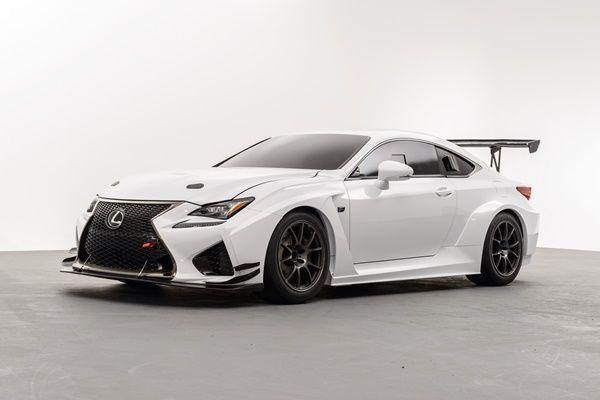 Toyota GAZOO Racing contres vehículosen las 24 Horas de Nürburgring