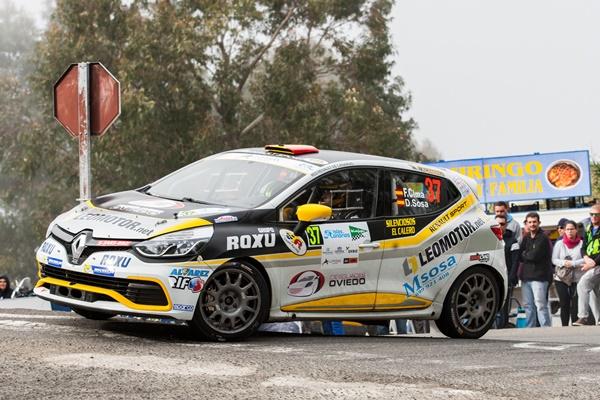 Fran Cima a por la victoria en el Trofeo Canarias de Renault